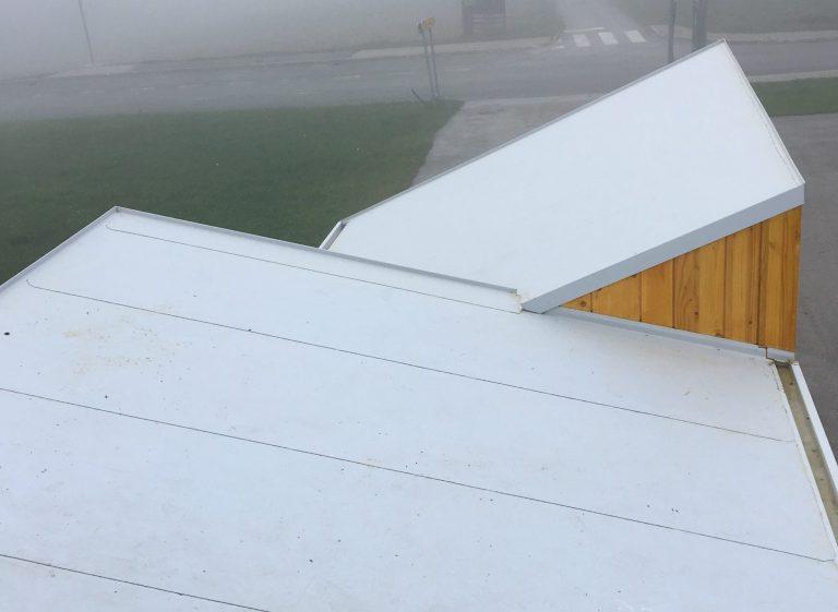 houzeko roof view